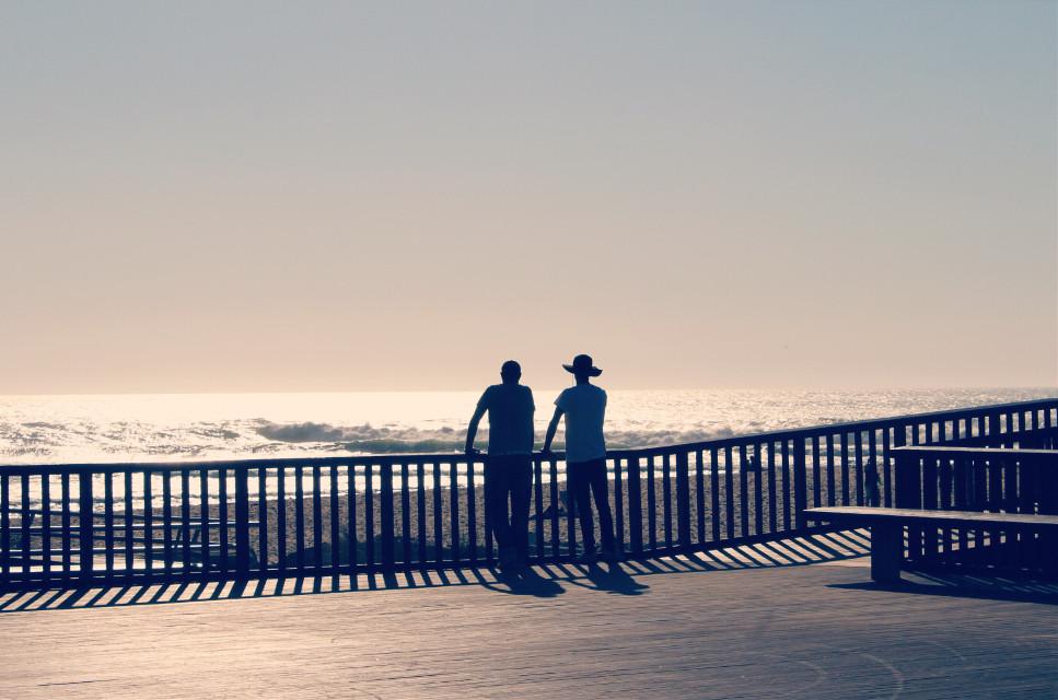 #watchingthesea #natureisee #brightsunnyday #sunreflectingfromit  #sunbrightlight #nature #beachview #silhouettes #peoplephotography