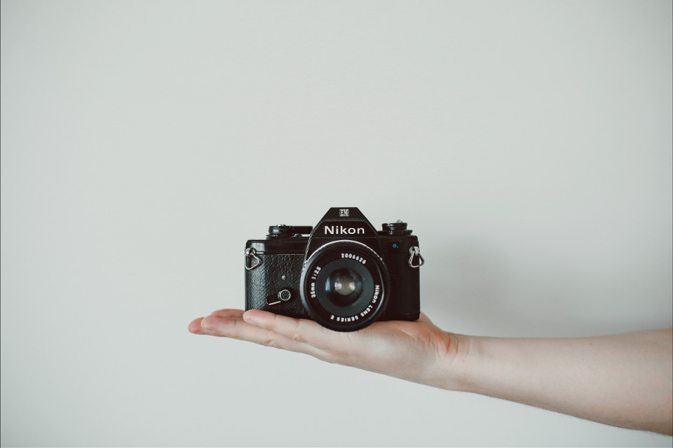 Remix your imagination into this image #FreeToEdit #nikon #photography #hand #minimalistic